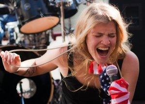 Eleanor onstage